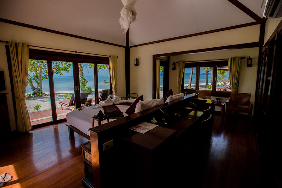 Beachfront Superior Villa